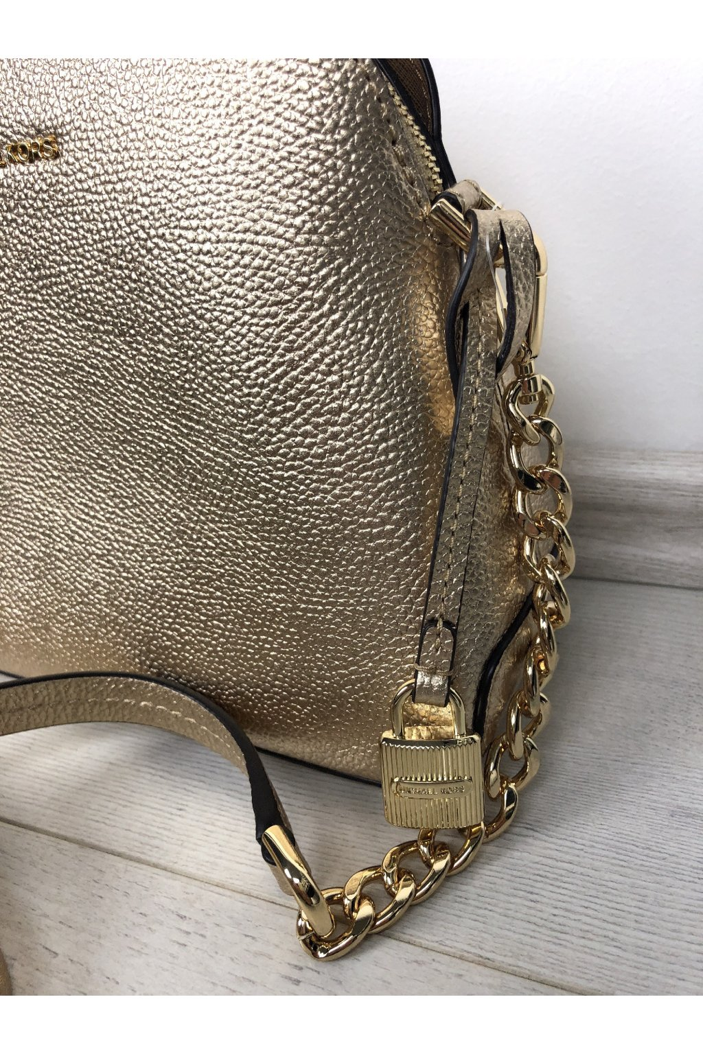 ... 1 · crossbody michael kors mercer mettalic leather dome pale gold eshopat  cz 2 ... a1551523d96