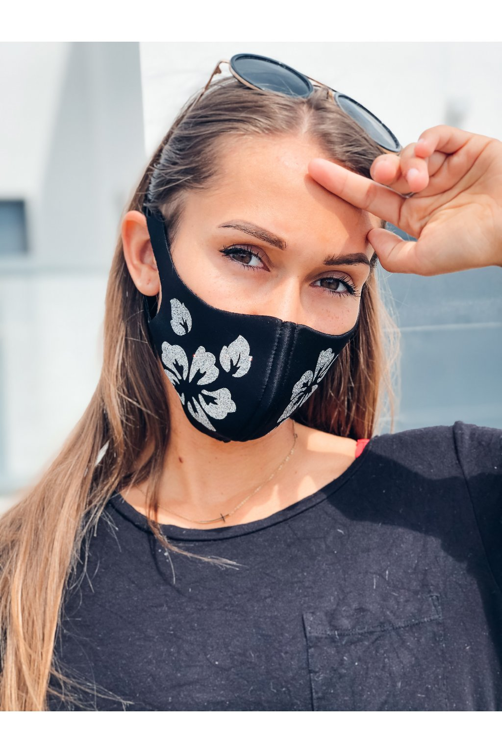 stylova rouska se trpytkami flowers black eshopat cz 1