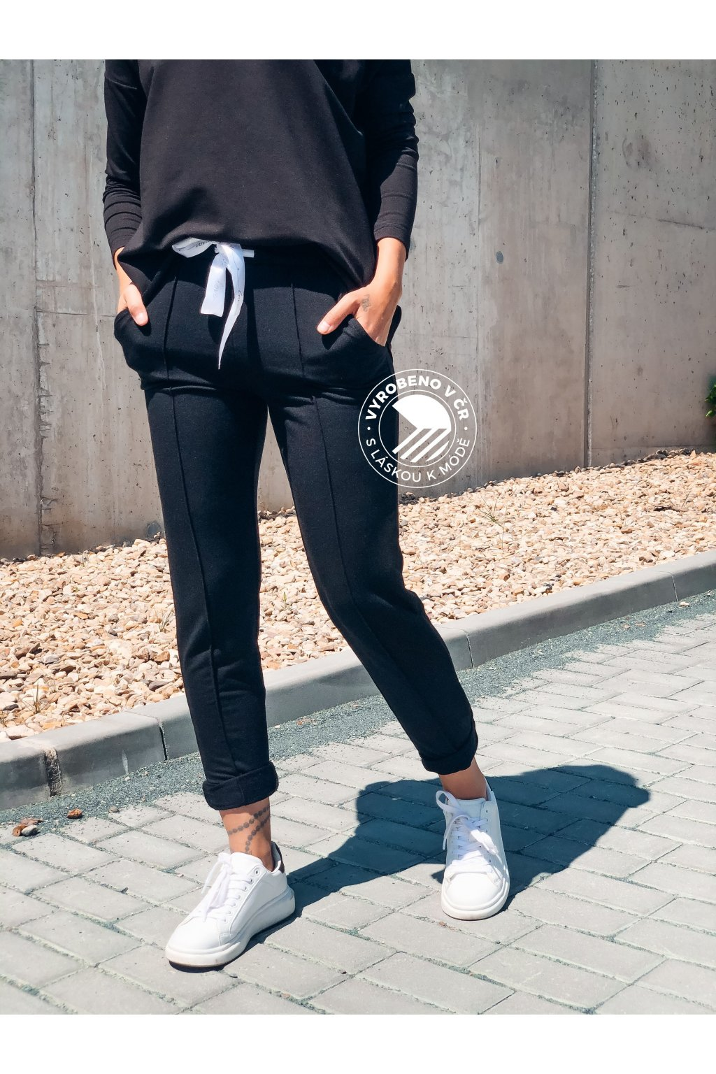 eshopat cz damske teplakove kalhoty black