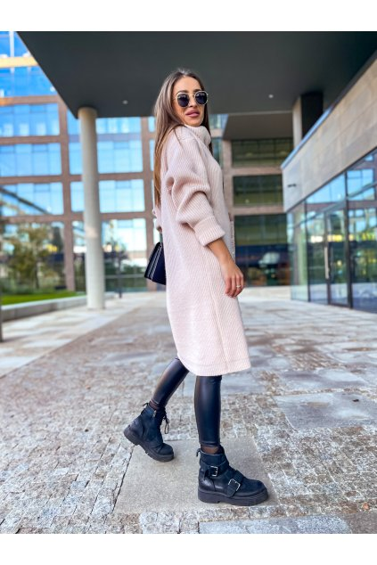 damsky prodlouzeny svetr s rolakem light pink eshopat cz 3