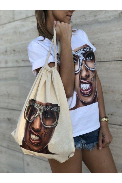 plateny batoh se snurkami girl with sunglasses eshopat cz 1