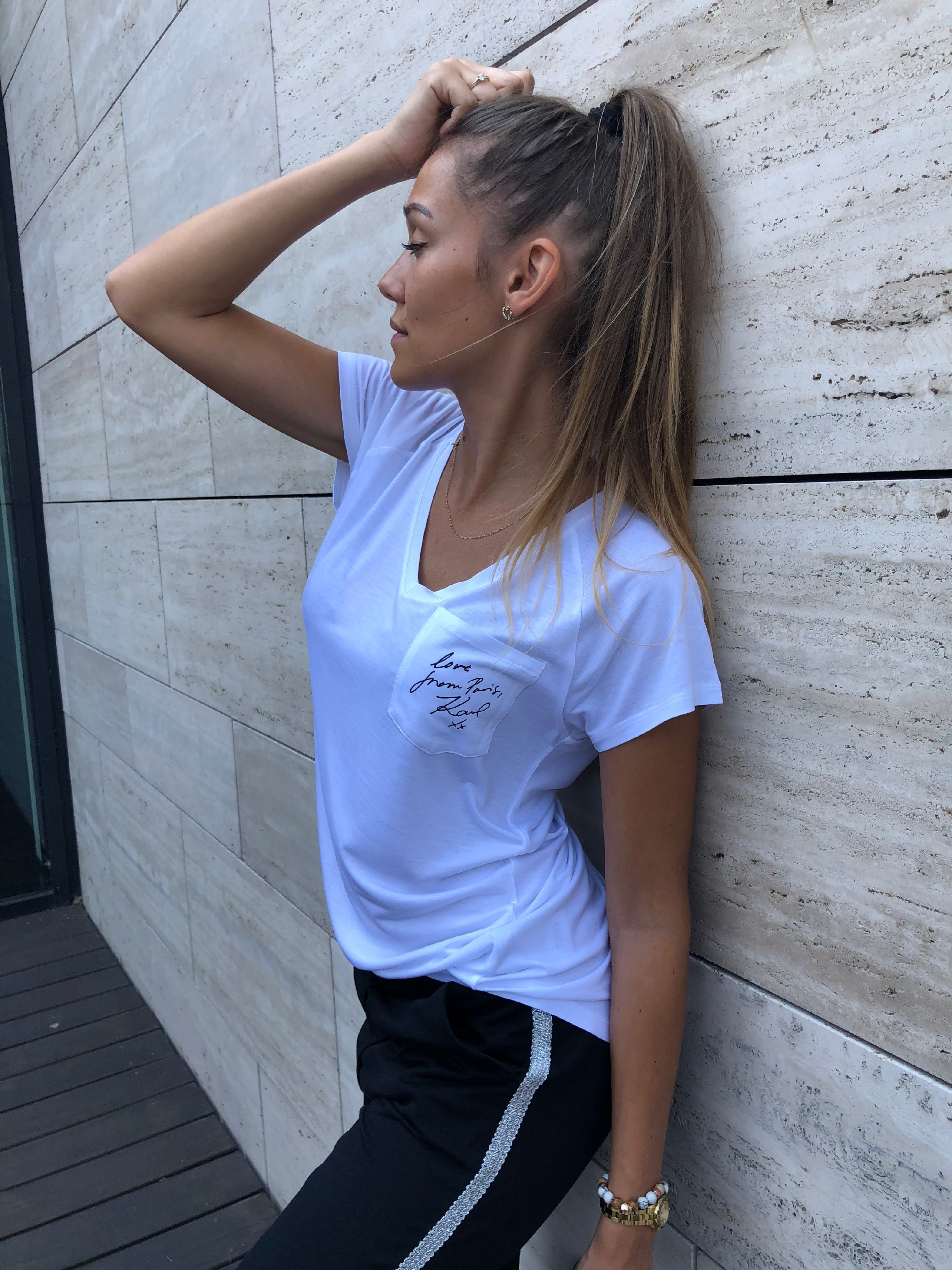 1ab27d70b215 Dámské tričko Karl Lagerfeld V Neck Logo Tee White Velikost  S