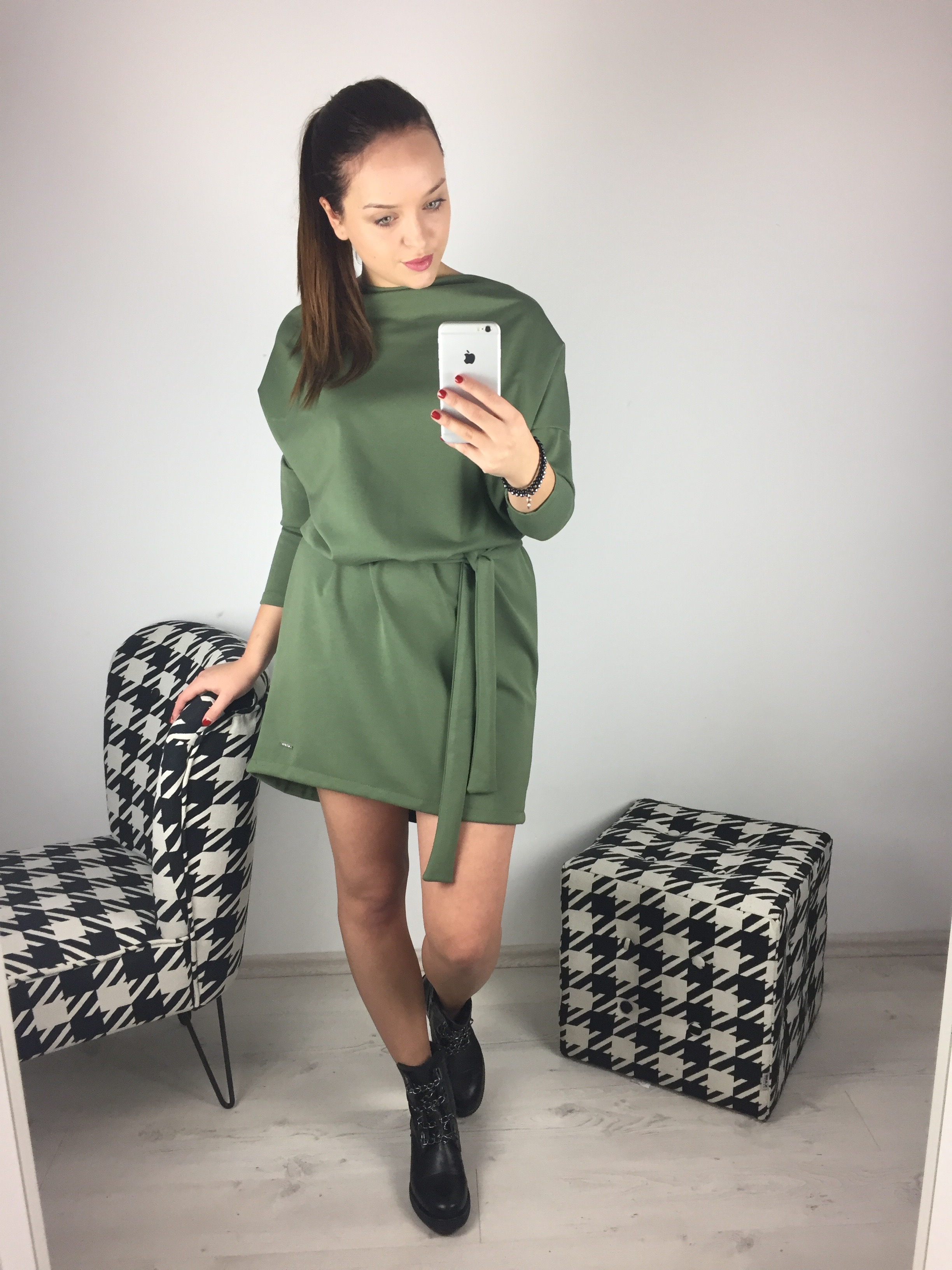 Eshopat Dámské šaty Isabella Khaki Velikost oblečení: UNI