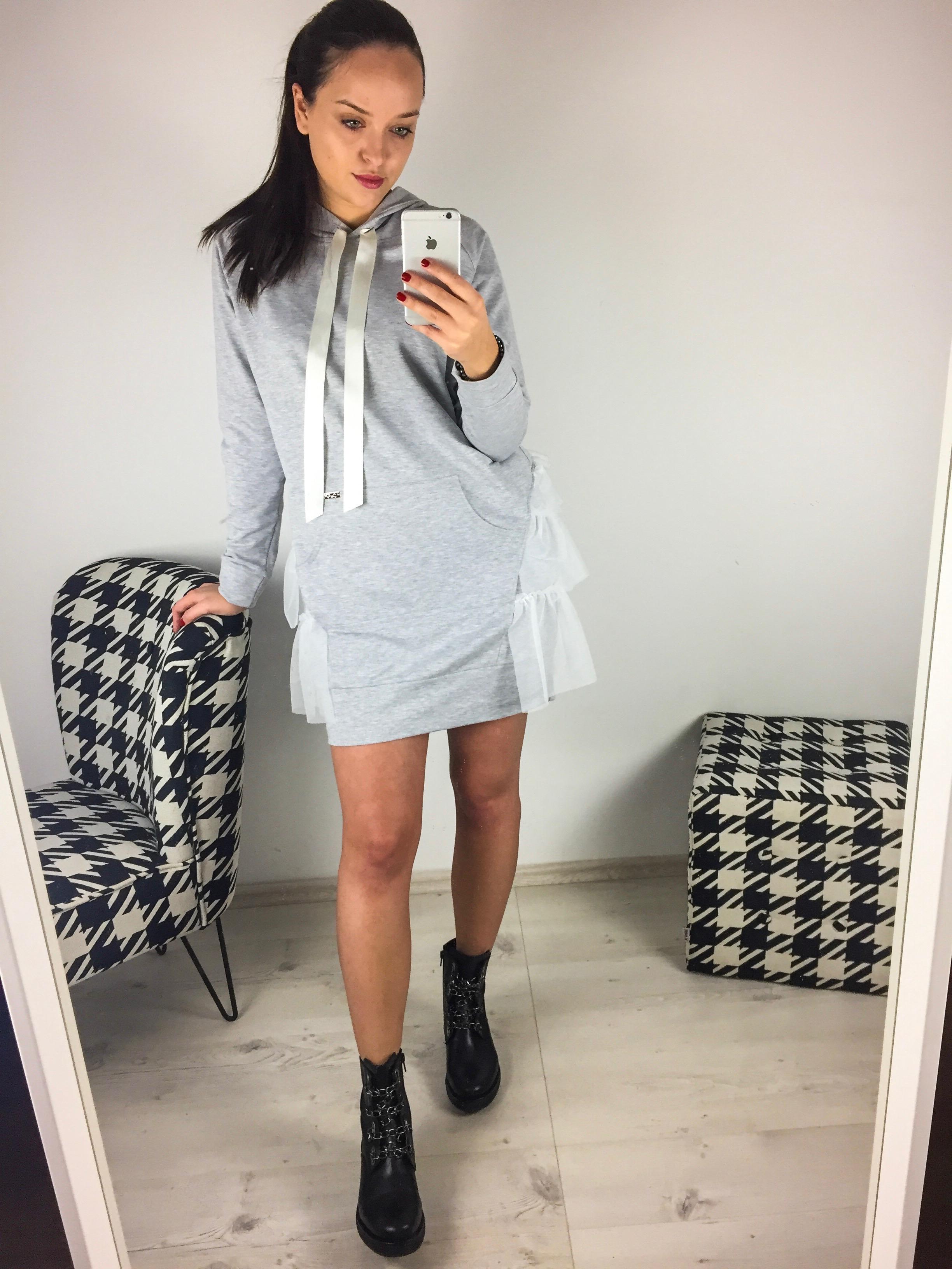 Eshopat Dámské šaty One Light Grey Velikost oblečení: UNI