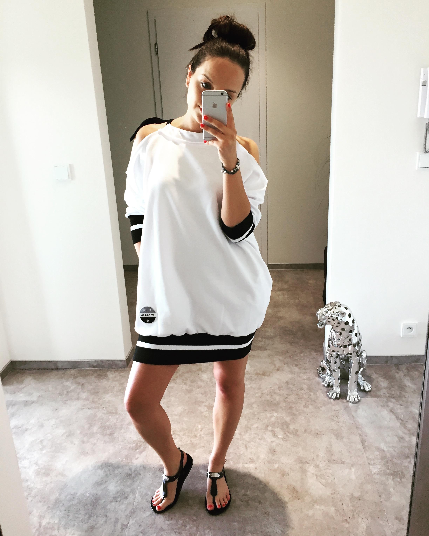 Eshopat Dámské šaty New York White Velikost oblečení: UNI