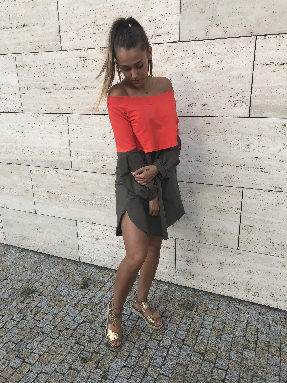 Eshopat Dámské šaty twocolours Khaki Velikost oblečení: M