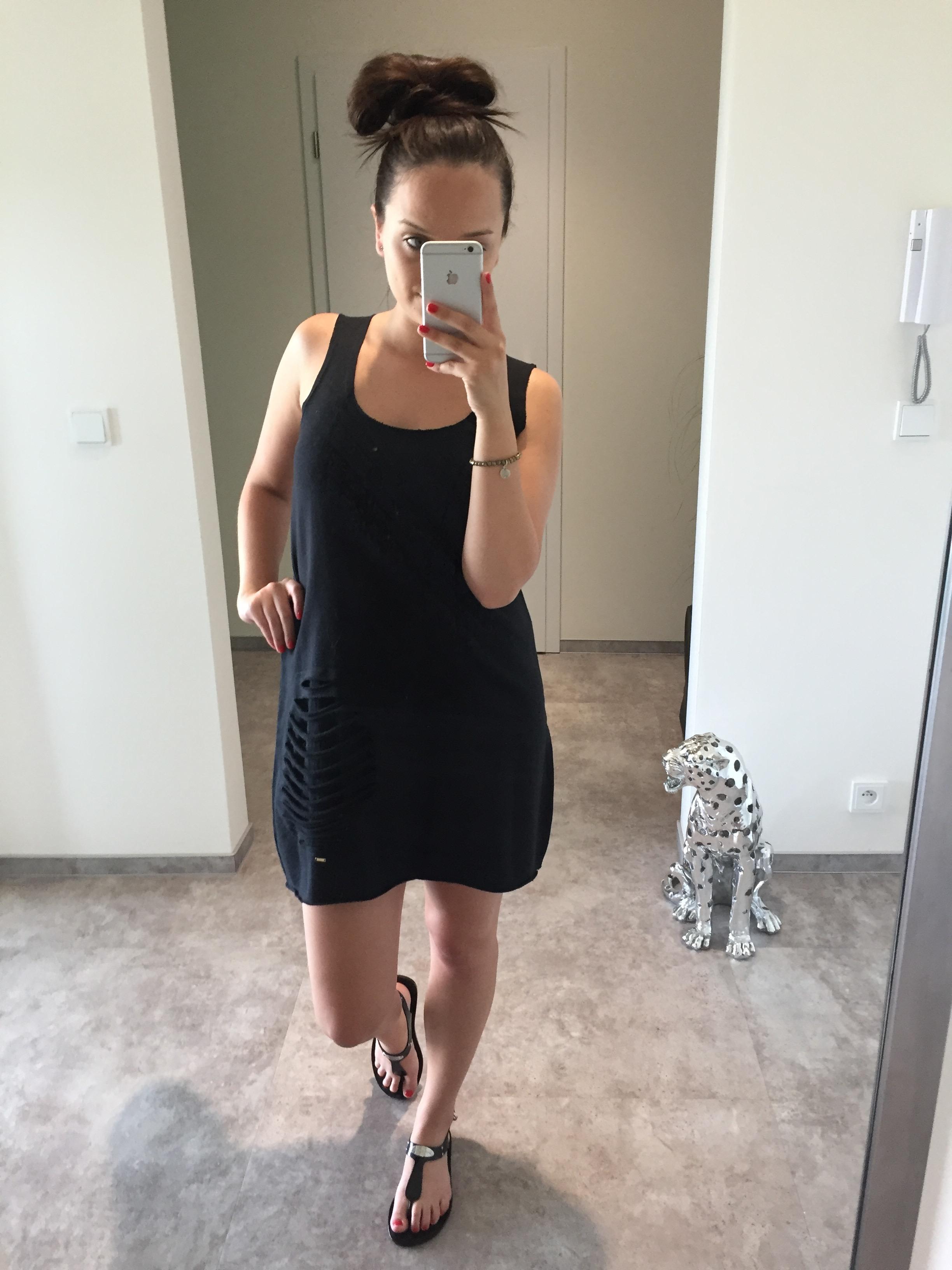 Eshopat Dámské šaty/tunika Sun Black Velikost oblečení: M