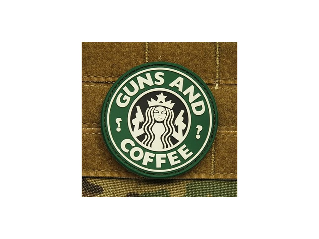 Nášivka GUNS AND COFFEE plast ZELENÁ