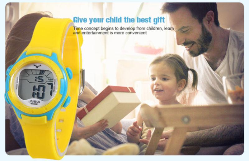 detske-digitalni-barevne-hodinky-jnew-9688-3-zluto-modre-banner-4