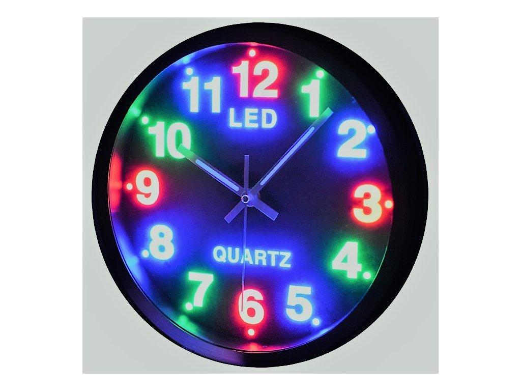 led hodiny color ve tme