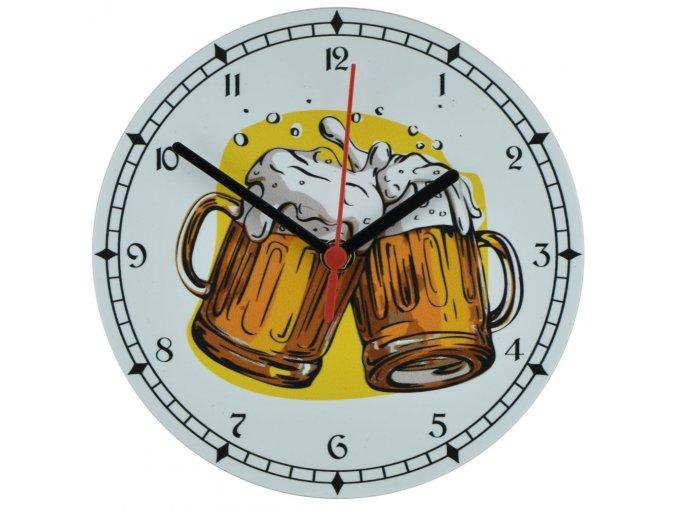nastenne hospodske hodiny s tichym chodem piva pivo
