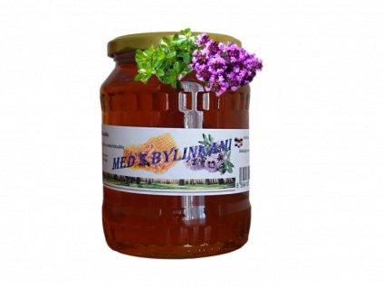 Med lesní s květem mateřídoušky po oříznutí a úpravě s mateřídouškou