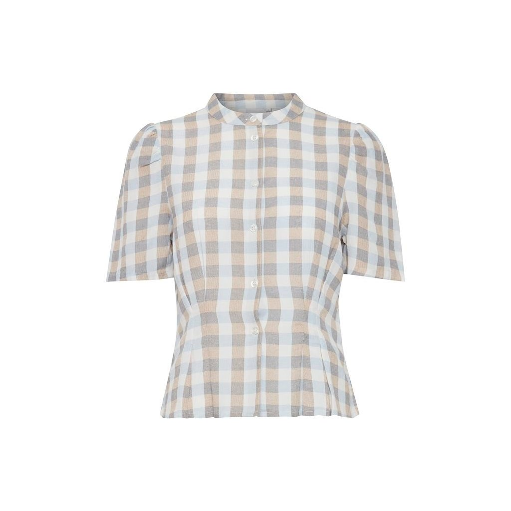 tan short sleeved shirt