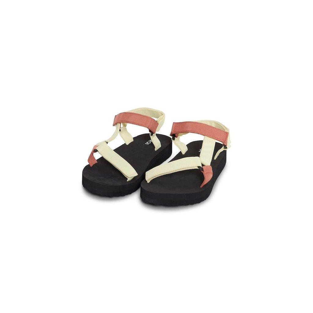 caramel shoe2