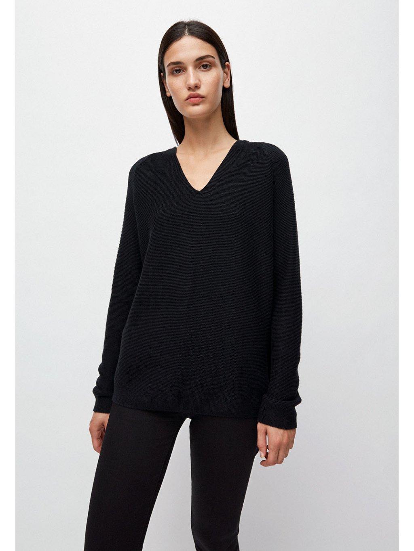 """Dámský černý svetr """"FAARINA black"""""""