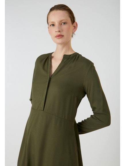 "Dámské olivové šaty ""INAARI MOSS GREEN"""