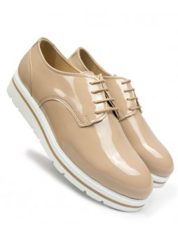 beige laceups 1
