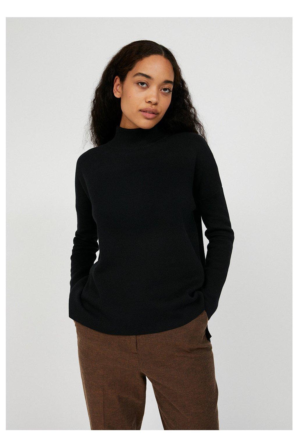 """Dámsky čierny sveter """"YUNAA black"""""""