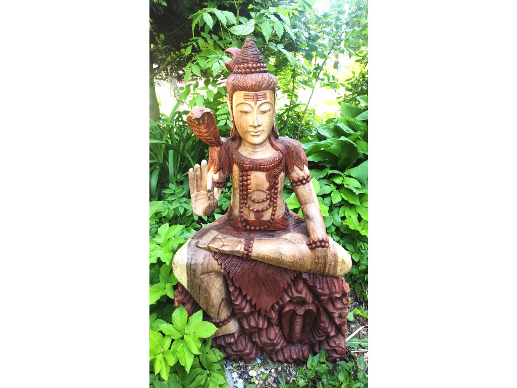 Velká dřevěná socha boha Šivy