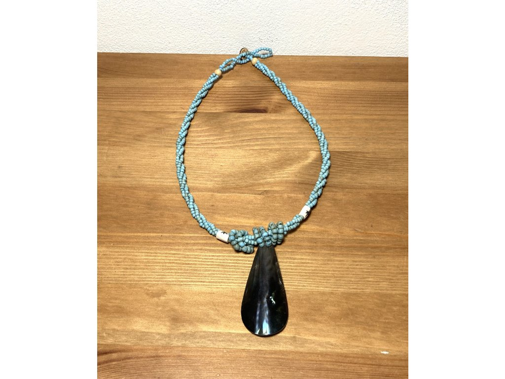 černá : mušle : náhrdelník