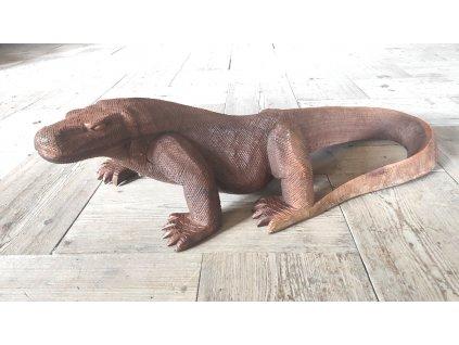 Dřevěná socha varana z týkového dřeva