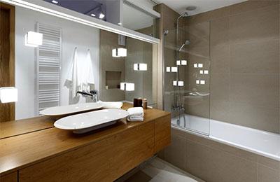 Potrebujeme aj v kúpeľni dobré svetlo? Jednoznačne áno!