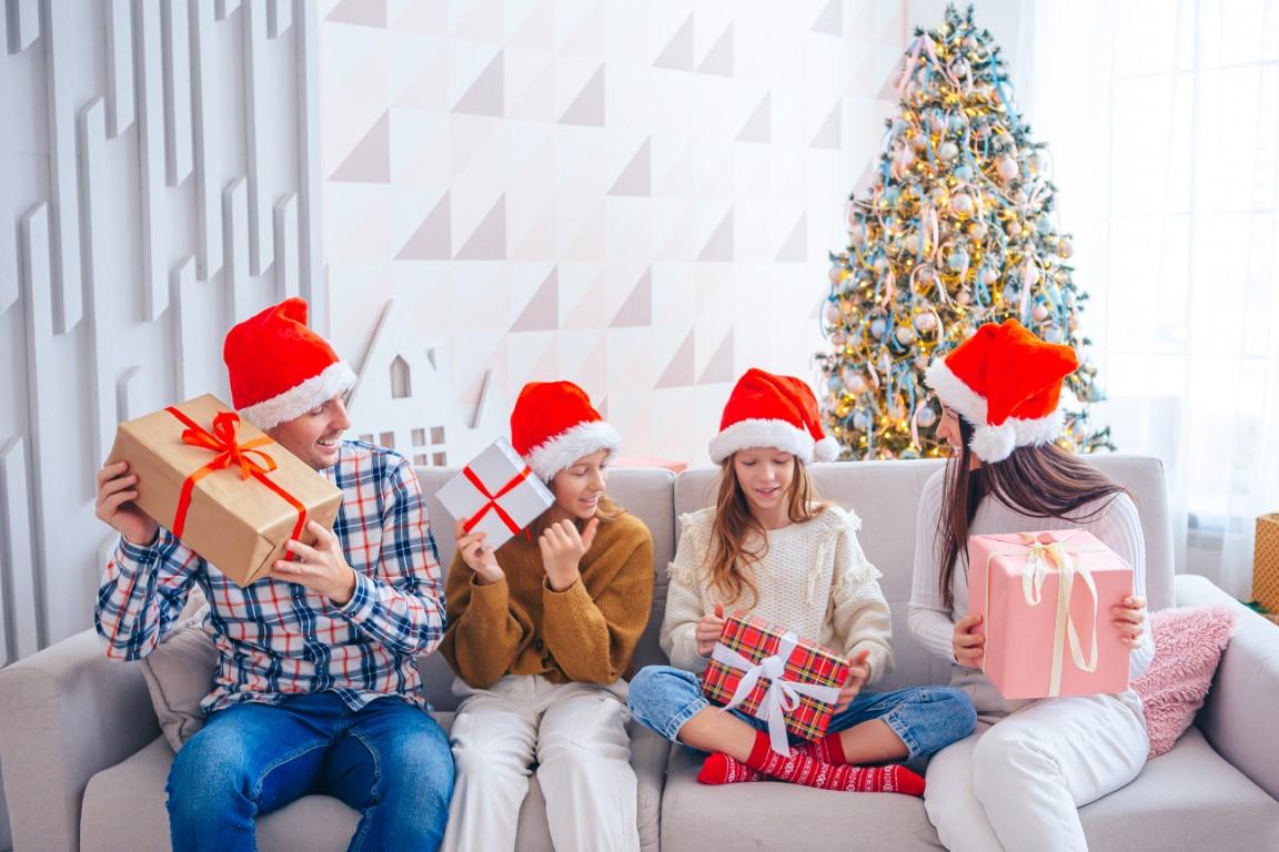 Tipy na vianočné darčeky z drogérie? Tu je náš výber pre každého člena rodiny