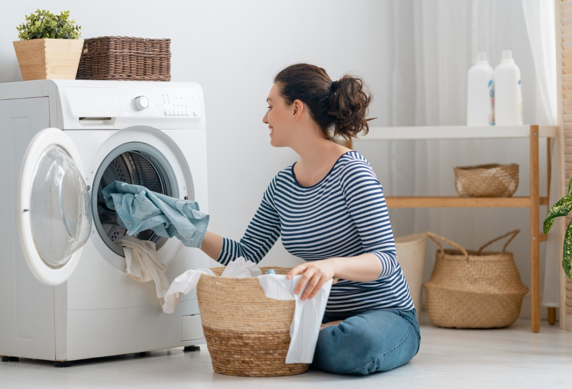 woman-is-doing-laundry-GQLW826