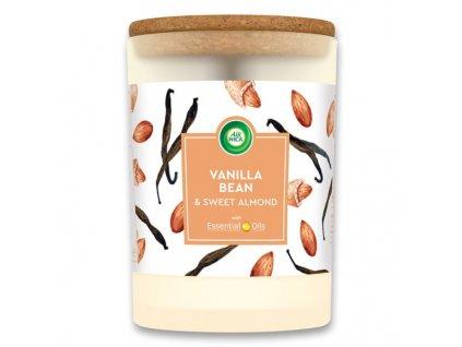 Air Wick Essential Oils Vanilka & Sladké Mandle vonná sviečka 185g
