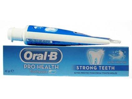 Oral-B Strong Teeth zubná pasta 40 gr