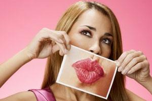 Neinvazivní metoda zvětšení rtů od Eveline cosmetics