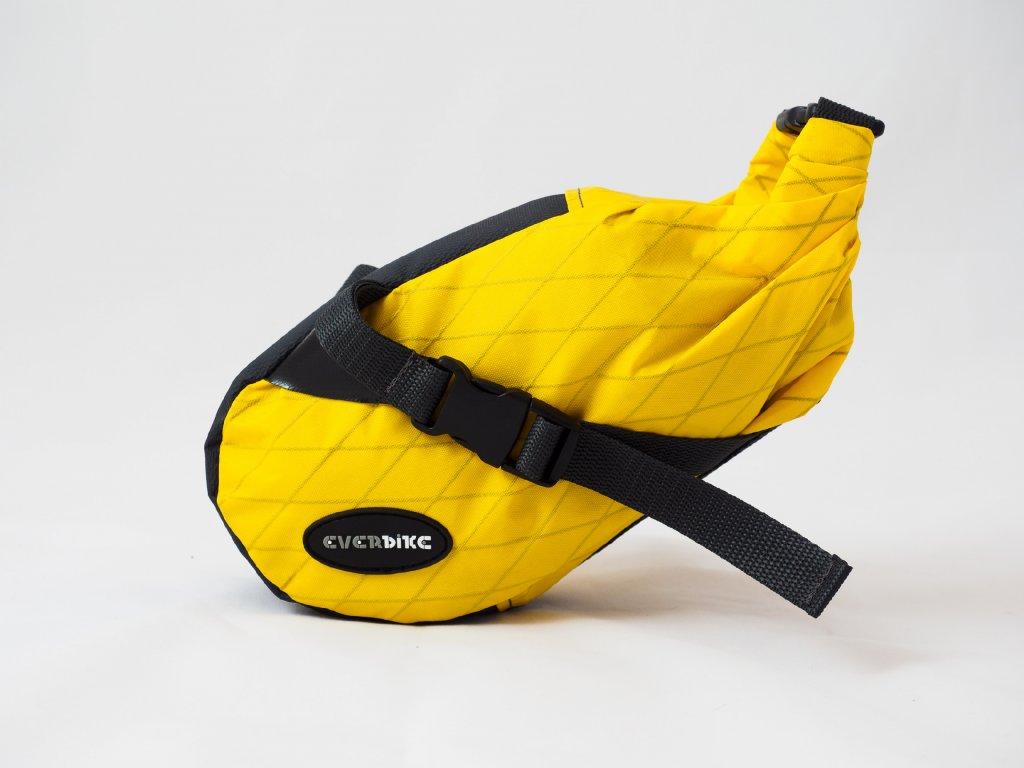 Lasička žlutá