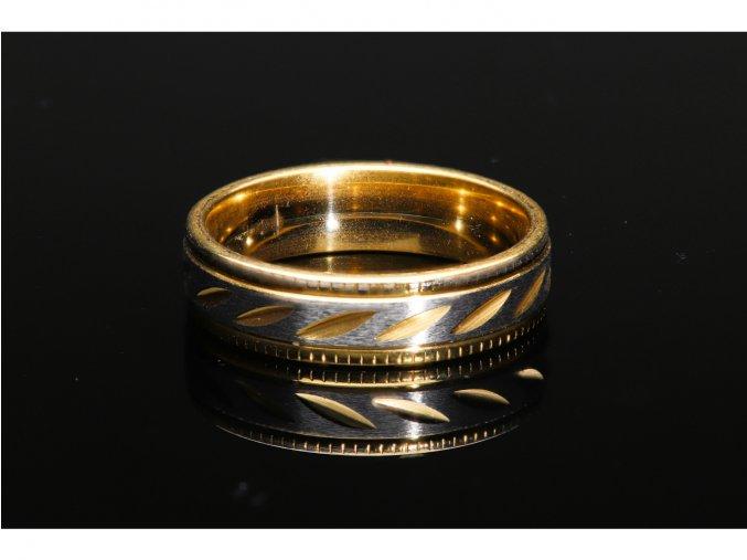 prsten makro 16