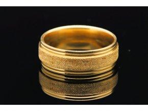 prsten makro 4
