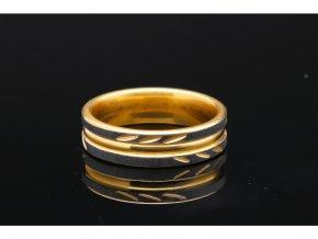 prsten makro 8