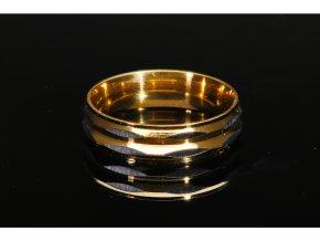 prsten makro 22