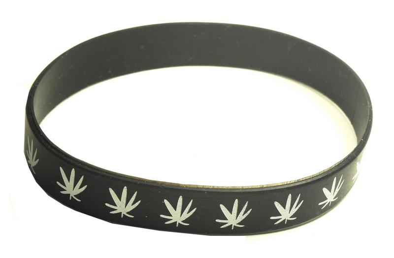 Gumový náramek s motivem marihuana