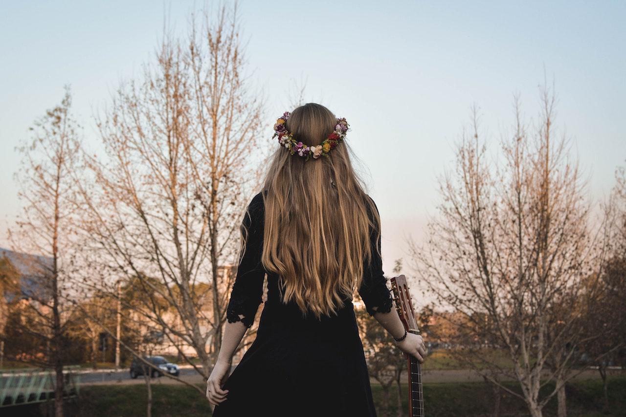 Roční období a jejich vliv na vypadávání vlasů