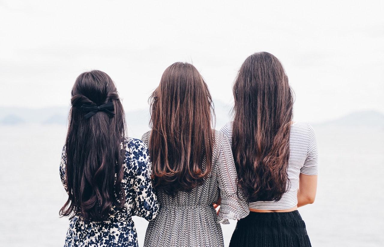 Tipy a triky: Jak vyzrát na mastné vlasy
