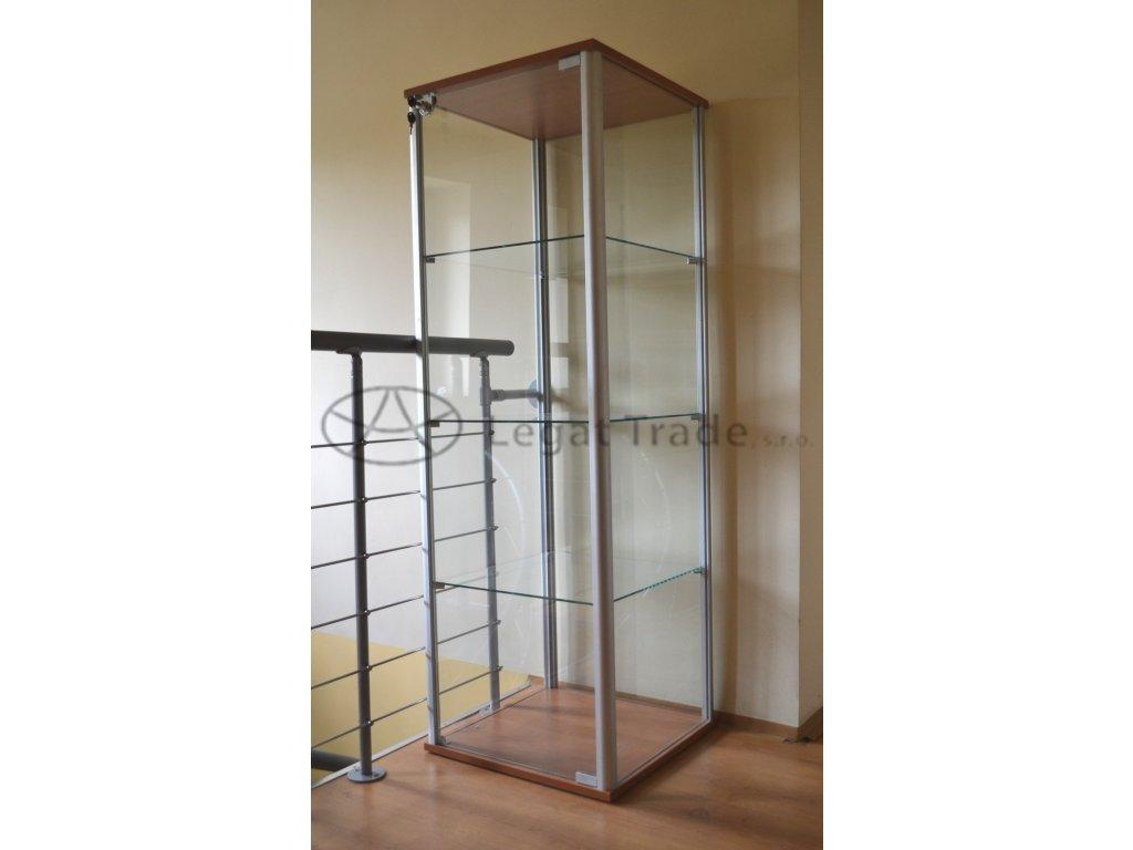 Výstavní vitrína na tovar /kalené sklo/