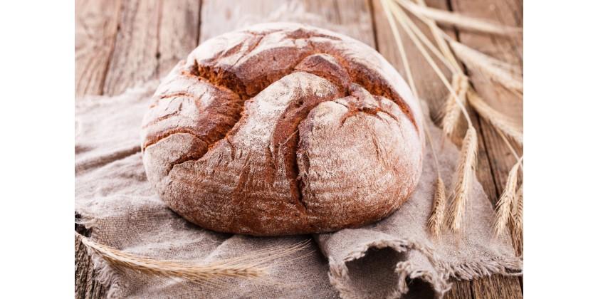 Domácí chleba pečený v hrnci
