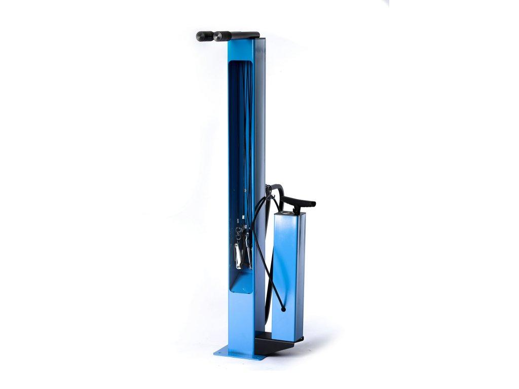 Veřejný montážní stojan s pumpou