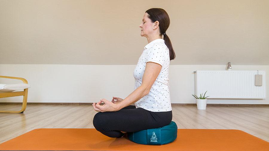 Test produktu: Špaldový polštář na jógu a meditaci - bezpečný základ