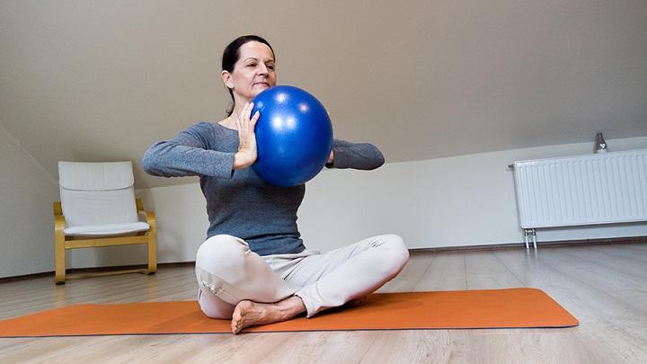 Využití a výhody pilates soft ball gymnastického míče - produktový test