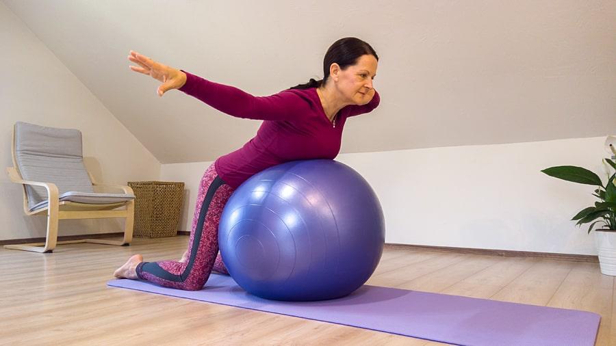 fitness labda gyakorlatok statikus poziciok
