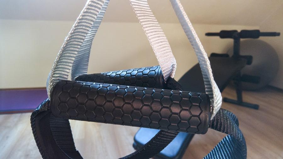 Pohodlný a stabilní povrch úchopu TRX pásu