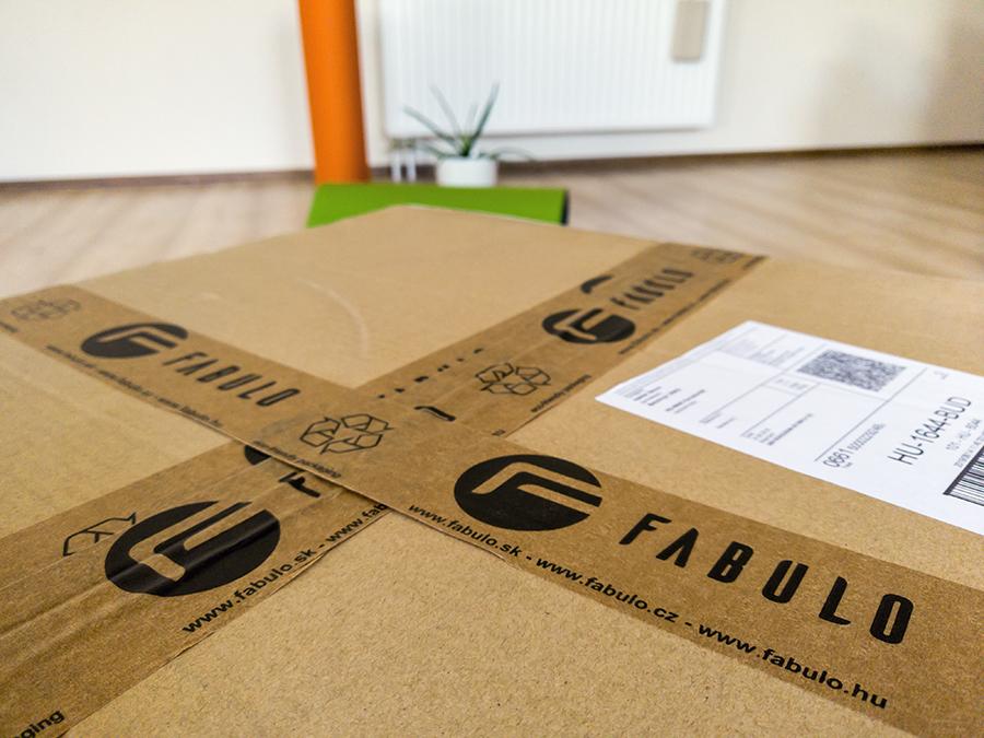 Ismét csomag érkezett a Fabulotól, kíváncsian bontom ki a dobozt