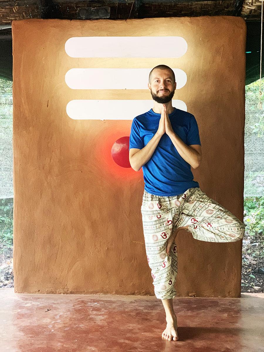 Tartsatok velem a következő részben is, újabb izgalmas részleteket osztok meg az indiai jóga elvonuláson tapasztaltakról. Namaste!
