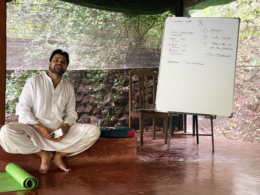 A yoga filozófia órán izgalmas történetek, frappáns hasonlatok segítették a megértést