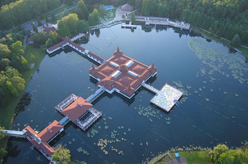 Hévízske kúpeľné jazero